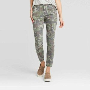Knox Rose Women's Camo Print Mid-Rise Ankle Length